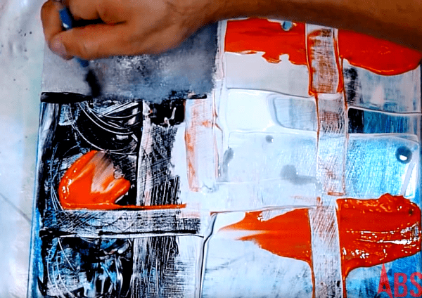 Painting abstract art on small canvas using 4 colors